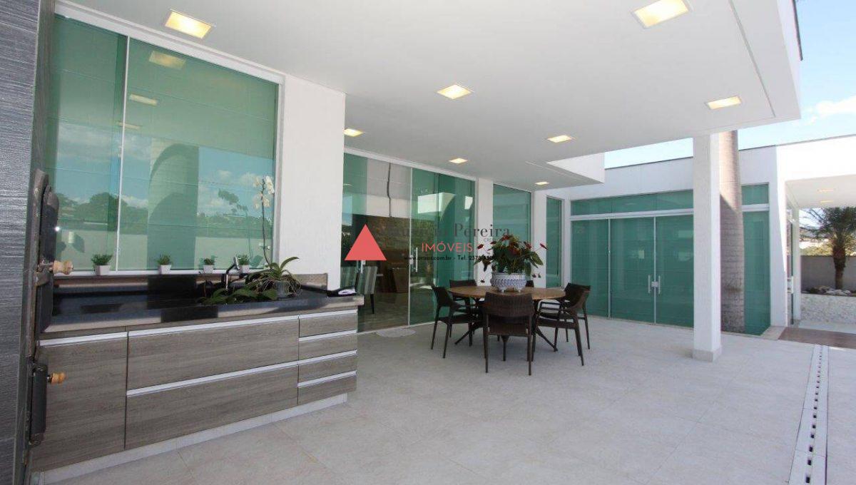 Belíssima Casa Condomínio Aruã