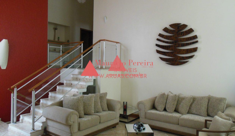 Casa no Aruã com Bosque Privativo