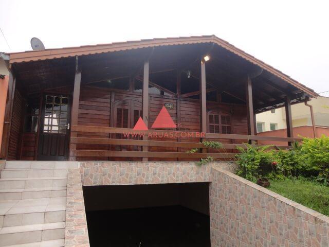 Casa Aruã Madeira e Alvenaria
