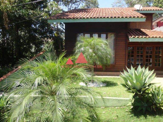 Casa de Madeira Aruã