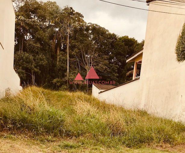 Terreno Aruã com Fundo para Área Verde