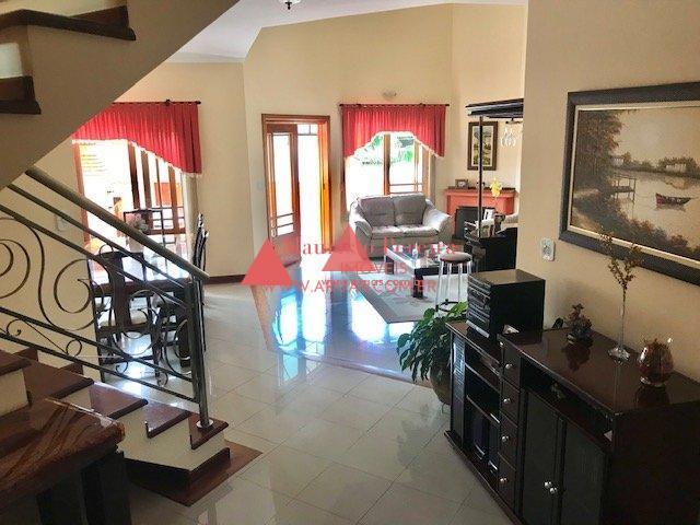Casa no Aruã com Cozinha Planejada